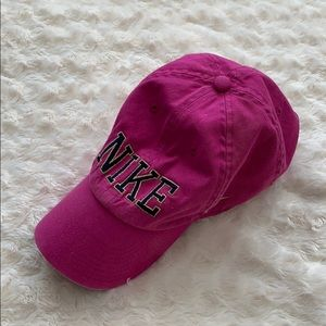NWOT Womens Nike pink baseball cap